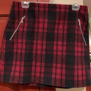 Red plaid mini skirt Gap 8